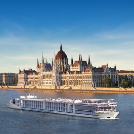 River Cruise Management